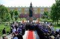 Святейший Патриарх Кирилл совершил освящение памятника священномученику Ермогену у стен Московского Кремля