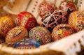 Украина. Архиерей призвал верующих воздержаться от использования некоторых наклеек для украшения пасхальных яиц