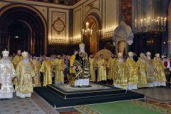 В 17-ю годовщину Интронизации Предстоятель Русской Церкви совершил Божественную литургию в Храме Христа Спасителя